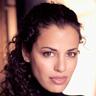 Athena Karkanis en el papel de Grace Stone
