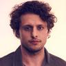 Michael Vlamis en el papel de Michael Guerin