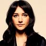 Sheila Vand en el papel de Zarah Ferami