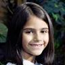 Alana Mansour en el papel de Zoe Shannon