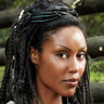 Christine Adams en el papel de Mira