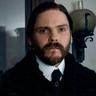 Daniel Brühl en el papel de Dr. Laszlo Kreizler