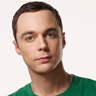Jim Parsons en el papel de Sheldon Cooper