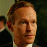 Steven Mackintosh en el papel de Richard Garland