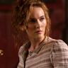 Ann Skelly en el papel de Penance Adair