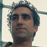 Amir El-Masry en el papel de Ben