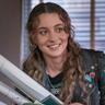 Stella Baker en el papel de Sarah Cooper