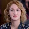 Hope Lauren en el papel de Corinne Dearborn